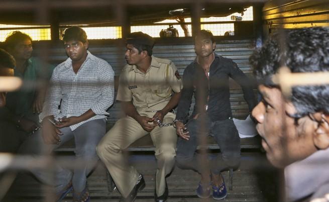 Осъдиха трима индийци на смърт за изнасилване на журналистка