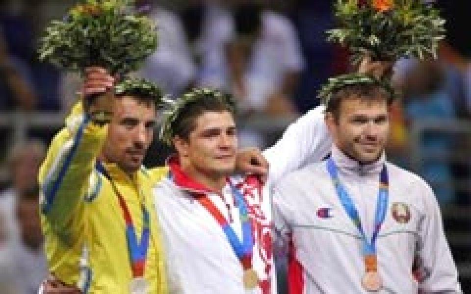 Руснаците с двама олимпийски шампиони при класиците на СП