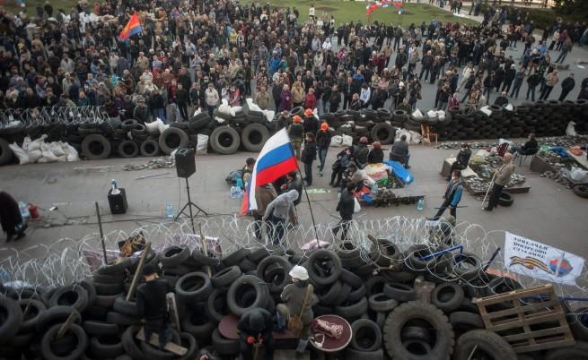 Киев: Сепаратисти държат 60 заложници в Луганск