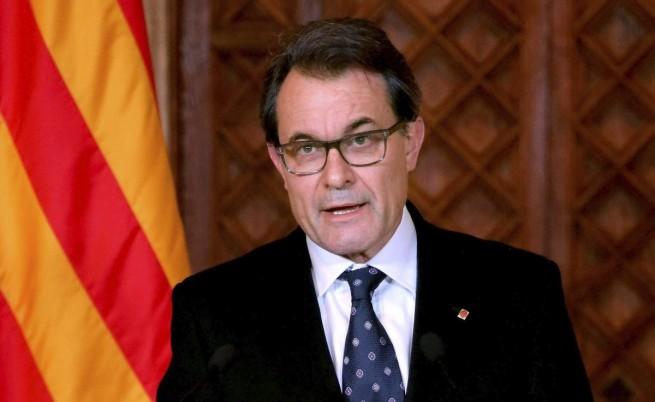 Испанският парламент: Референдум в Каталония е невъзможен
