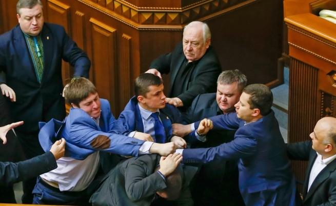 Парламент, бой, Украйна