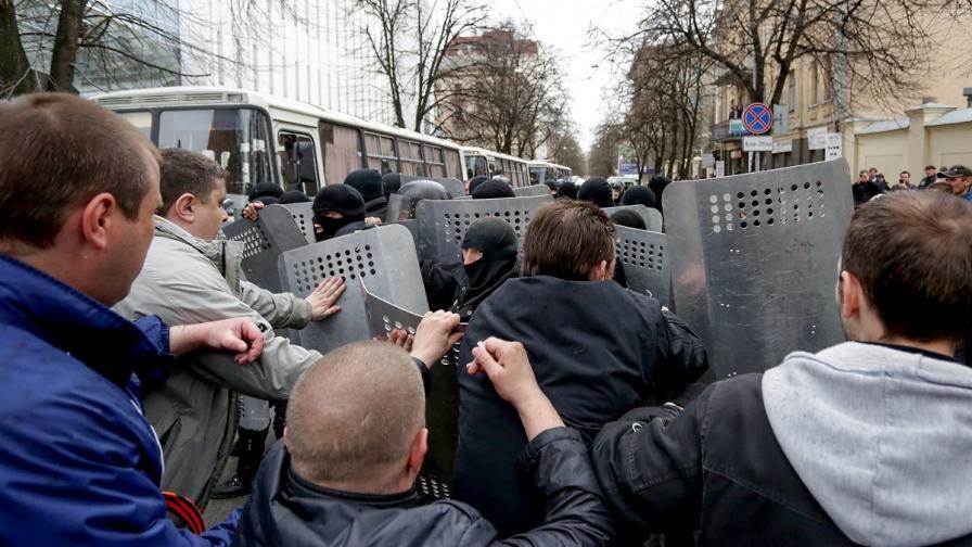 При сблъсъците в Харков са пострадали 50 души