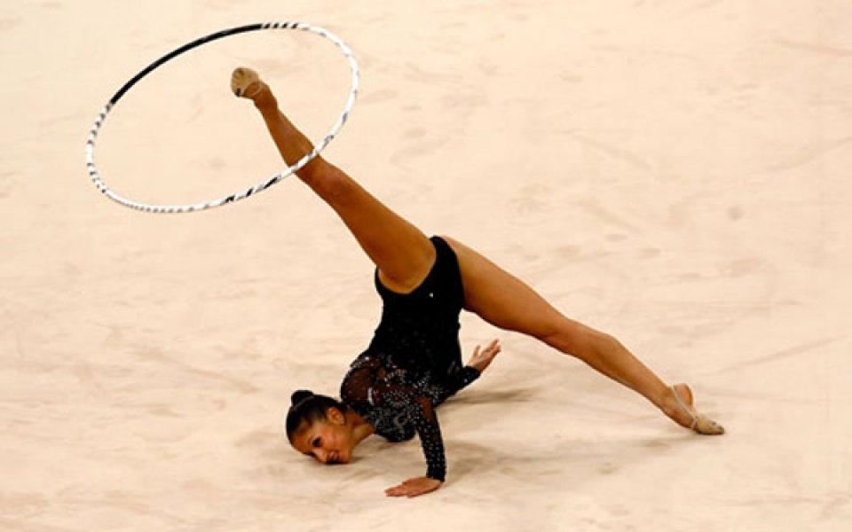 Симона на финал, Елизабет приключи участието си в Пекин