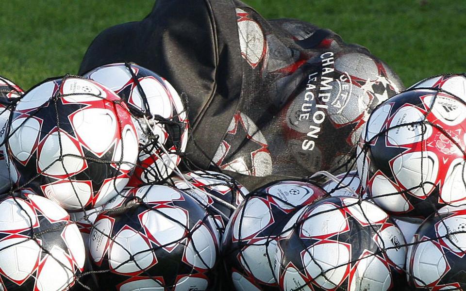 Резултати и крайно класиране в групи А, В, С и D в Шампионската лига