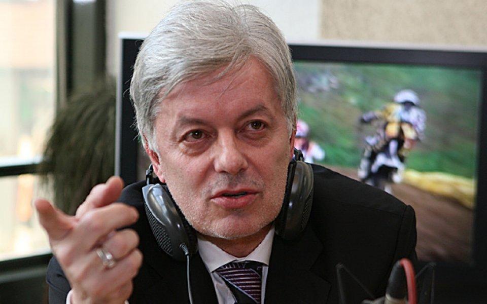 Един от най-разпознаваемите хора в българския футбол Валентин Михов даде
