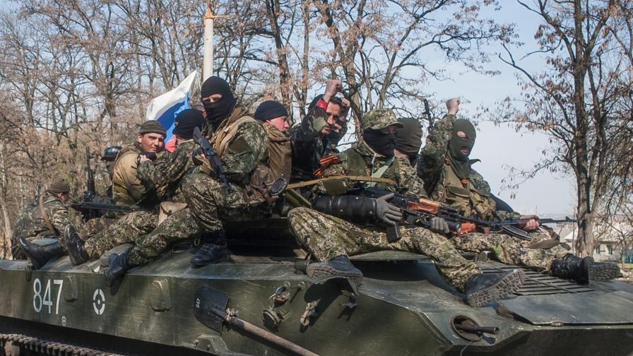 БТР-и с руски знамена влязоха в Краматорск и Славянск