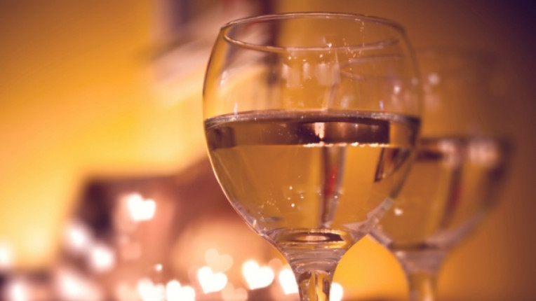 вино сърце любов чаша