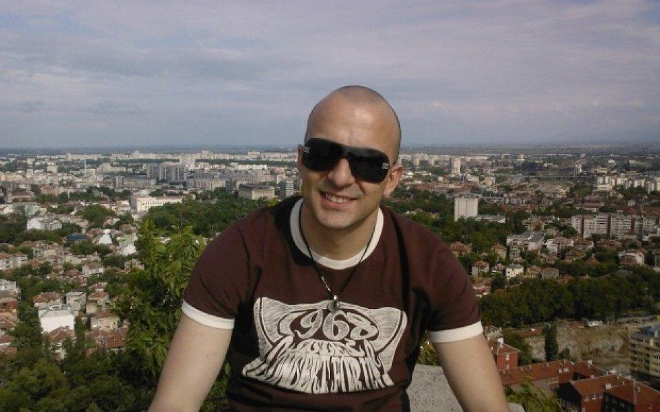 Митко Лишев ще тича гол из Пловдив?