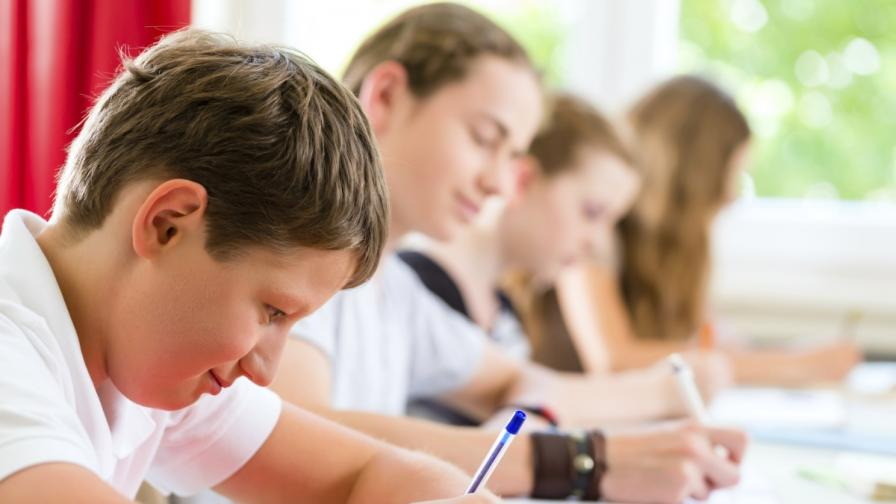 Между 1 и 3 часа отделят БГ учениците за домашни