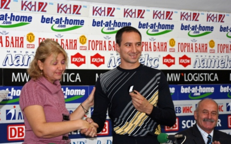 Тодор Дунев завършва 2010-та с дрифт шоу в София