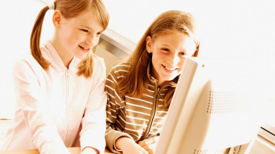 Митове за онлайн рисковете при деца и младежи