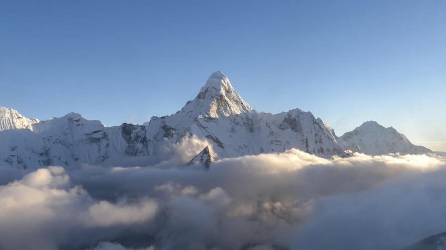 """Преди 30 години Христо Проданов изкачи Еверест по """"Жестокия път"""""""