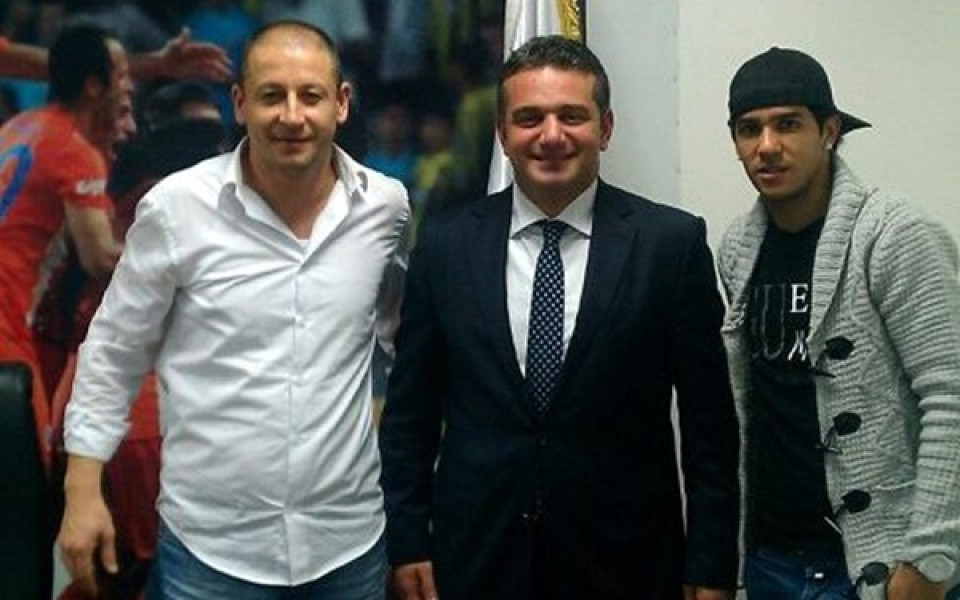 Литекс продаде и Том в Истанбул