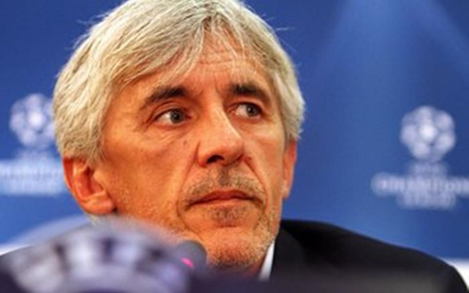 Футболната асоциация на Обединените арабски емирства (ОАЕ) разтрогна договора на