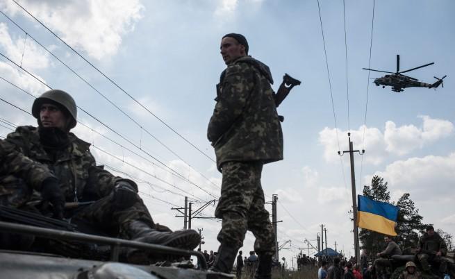 """Украйна възобновява """"активната фаза"""" на операцията в източните райони"""
