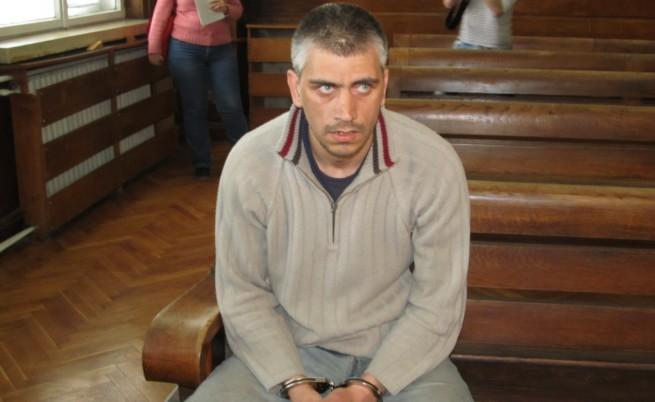 Бащата убиец от Русе остава в ареста