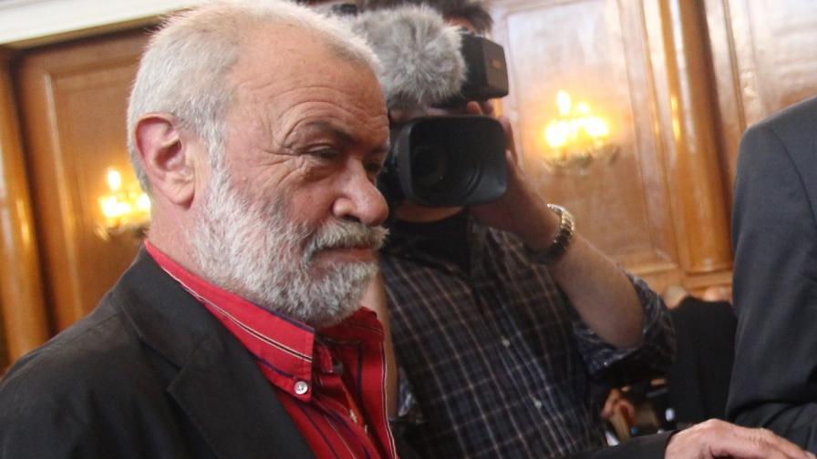 Проф. Драгомир Драганов с условна присъда, глоба и забрана да шофира