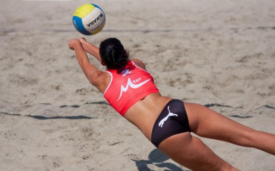 """Варненските волейболистки """"мачкат"""" на работническите игри,макар и с чужди екипи"""