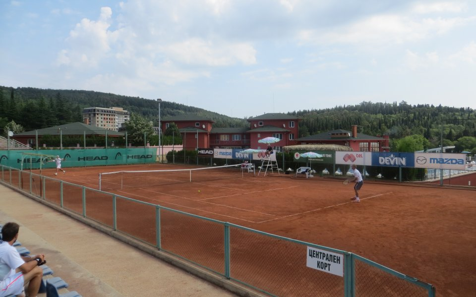 Грозданов и Халачев също на осминафинал в Стара Загора
