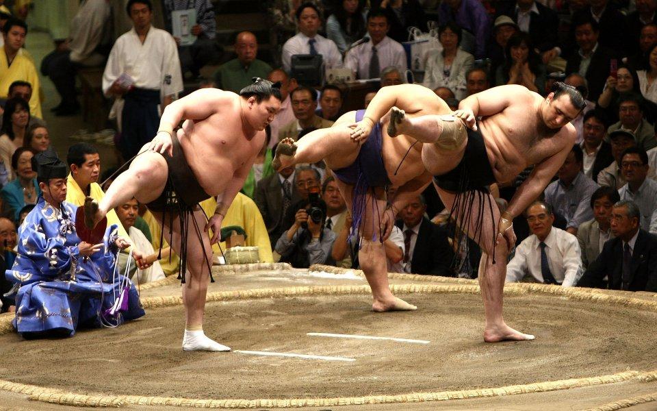 Аоияма с поражение в първи кръг в Токио
