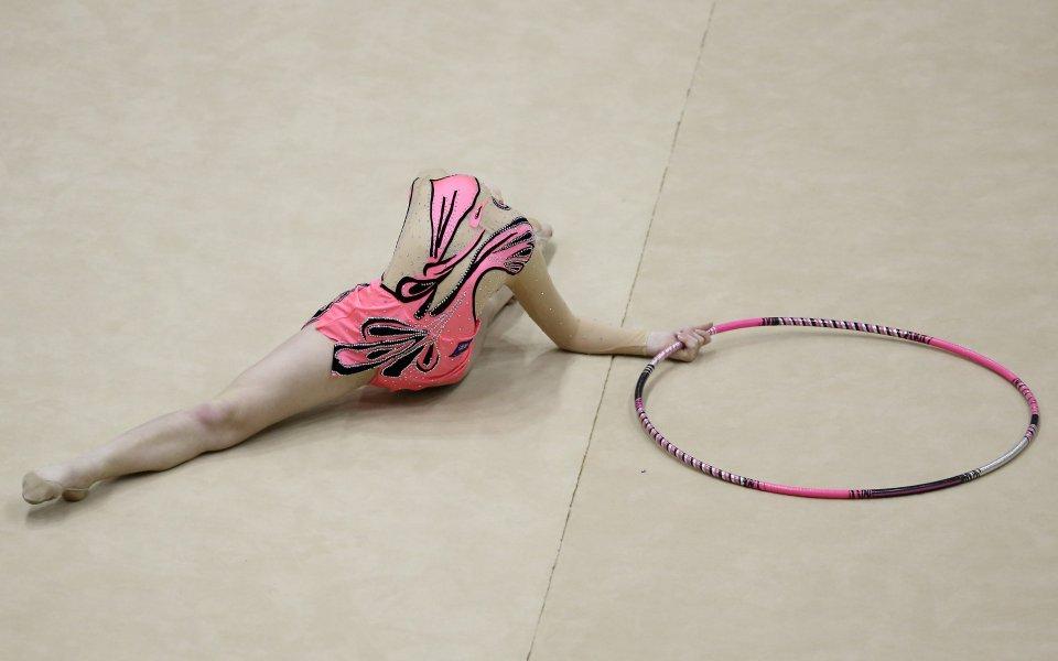 Пет гимнастички и ансамбъл ще представят България на турнира