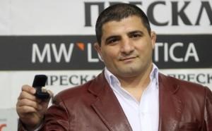 Назарян презентира фотоамбума си в четвъртък