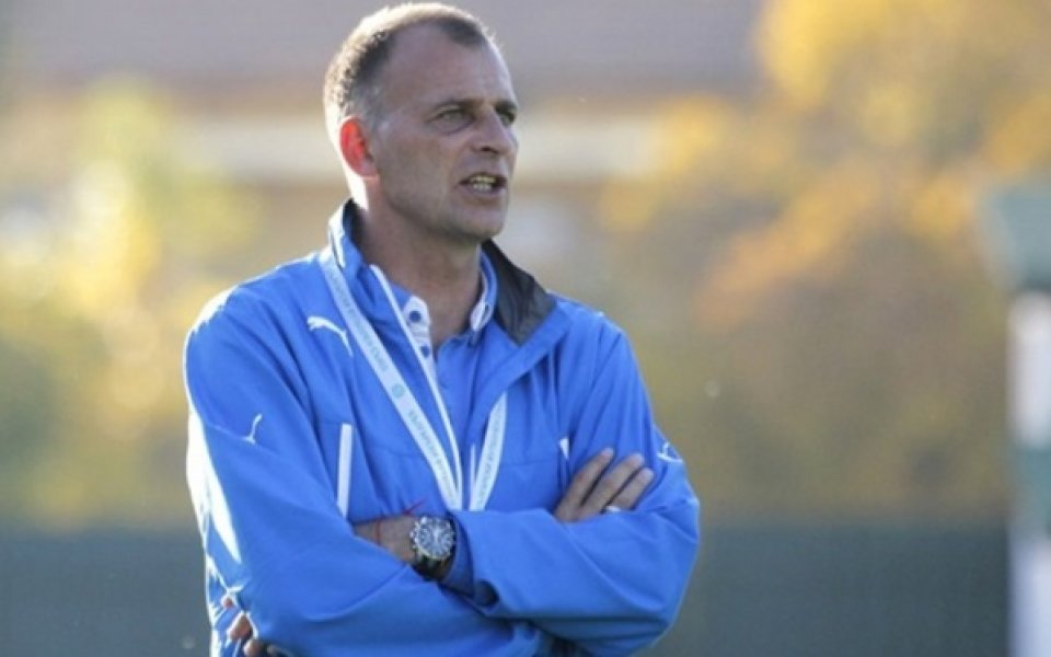 Здравков тренира Левски без помощниците си