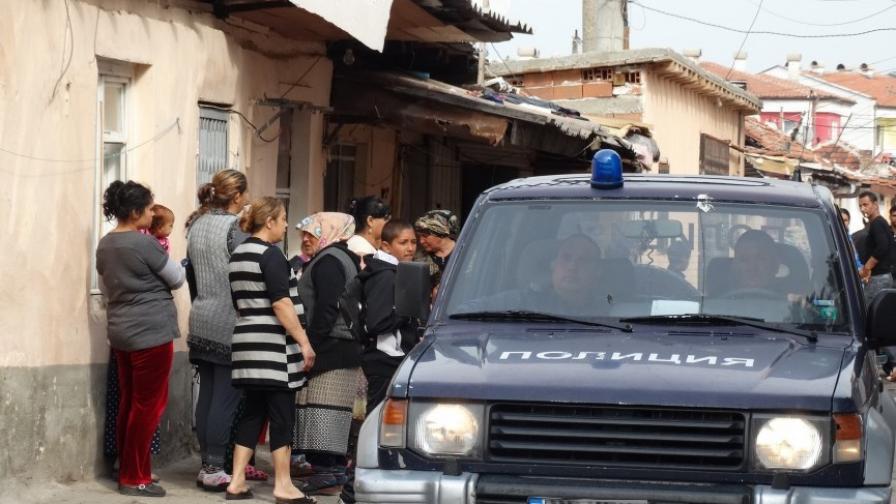 "Бутат десетки незаконни постройки в ""Столипиново"""