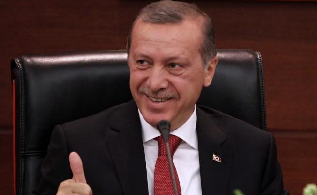 Турски съд нареди още арести на полицаи