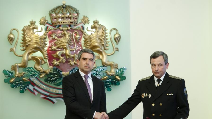 Плевнелиев: Държавата и обществото са в дълг към своята армия