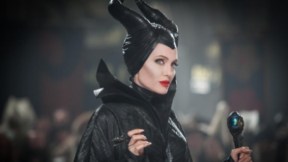 Анджелина Джоли в образа на Злодеида