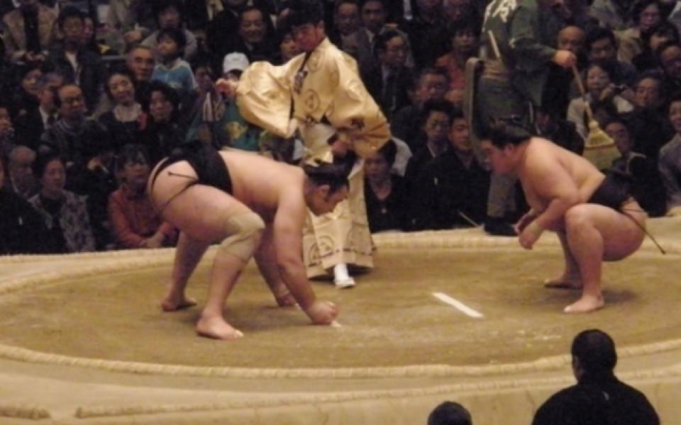 Аоияма с четвърти успех в Япония