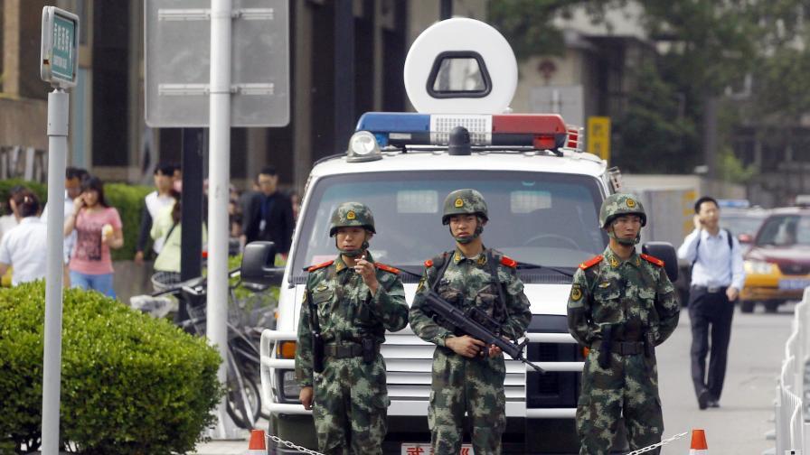 Китай: Мъж нападна с нож ученици и рани осем от тях