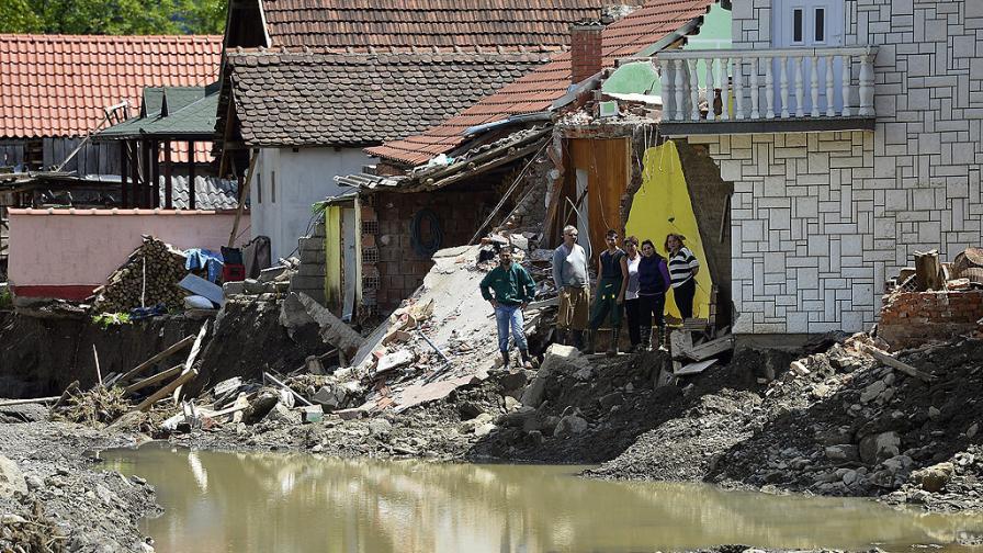 Звезди помагат и прозовават за съпричастност след наводненията на Балканите