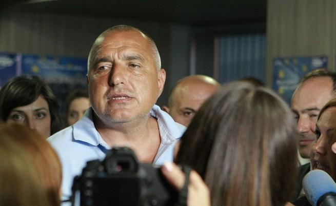 Борисов: Ние - работа, работа, работа; те - бокс, фехтовка, шах