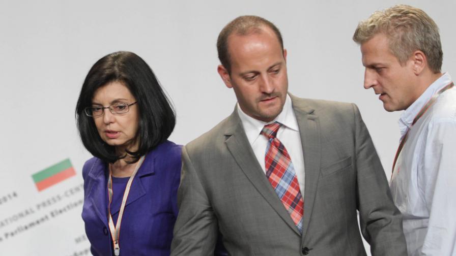 Реформаторите искат незабавна оставка на правителството