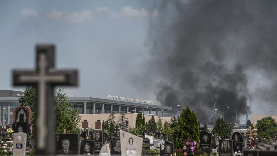 Десетки убити при боевете за летището в Донецк