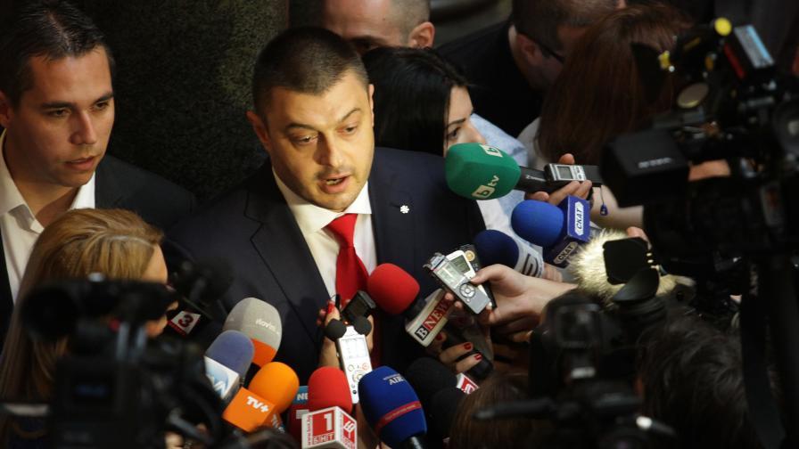 Николай Бареков в кулоарите на парламента