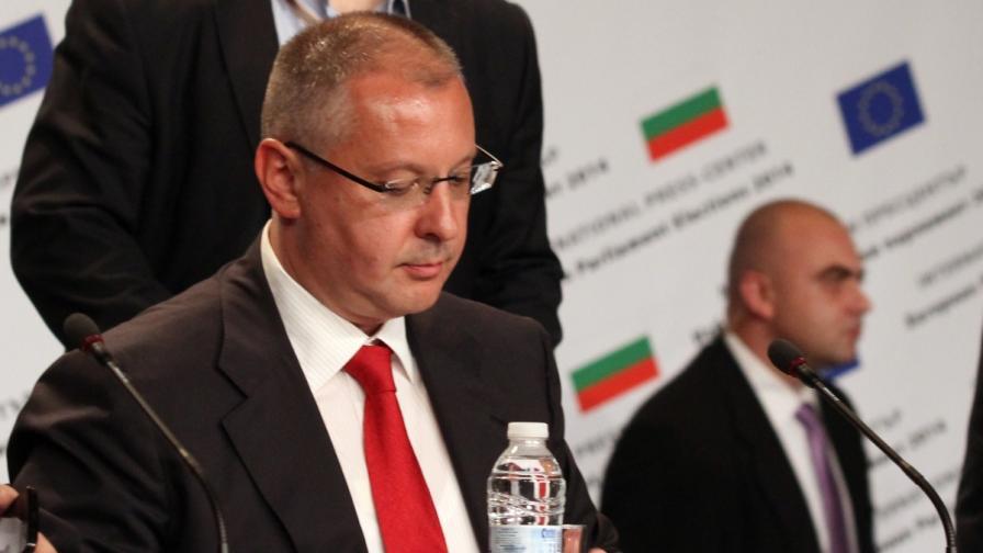 Станишев: Спокойно, няма да ходя в Европарламента
