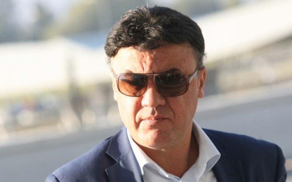 Боби Михайлов замина за Азербайджан в приятна компания