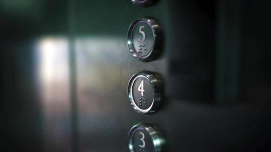 Пропаднал асансьор изплаши пловдивчани