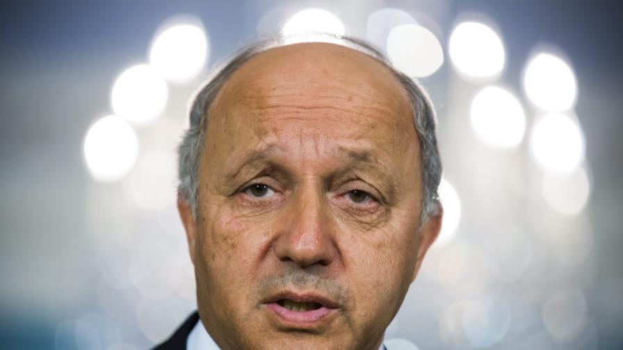 Френският външен министър заспа на официална среща в Алжир