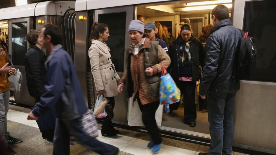 Служители от метрото в Букурещ излязоха на протест