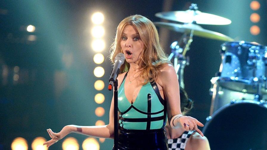 """Кайли Миноуг се завръща на големия екран, ще си партнира със """"Скалата"""""""