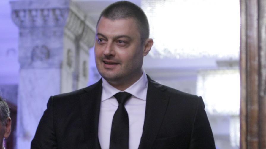 Миков и Бареков: Кой може да говори от трибуната на НС
