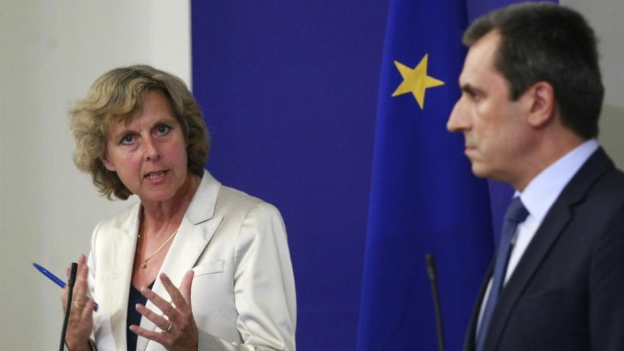 Европейският комисар за действия по климата Кони Хедегор и премиерът Пламен Орешарски