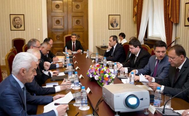 Отмениха консултациите за дата за предсрочните избори