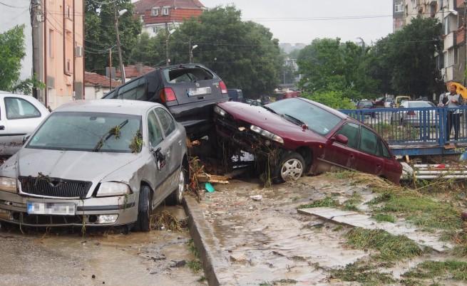 Заедно в бедствието – българите се организират в помощ на Варна