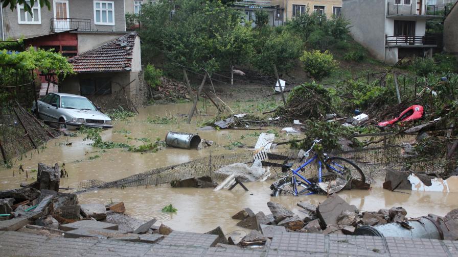 Остава бедствено положението във Велико Търново