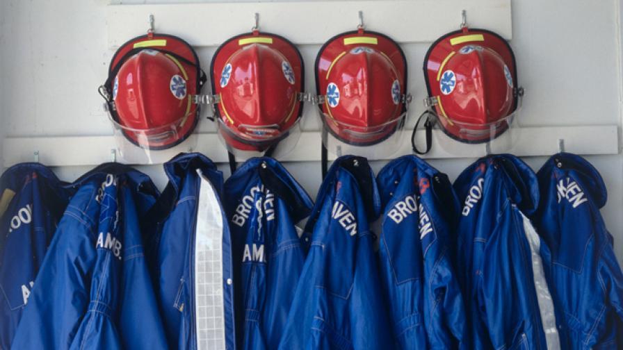 В Бразилия пожарникари спасиха жена от скок от 10-ия етаж (видео)